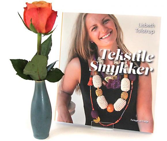 Tekstile Smykker – af Lisbeth Tolstrup. Foto: Lars Pryds